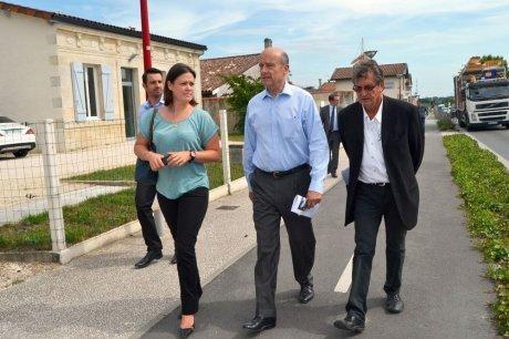 Alain Juppé est venu soutenir Agnès Laurence-Versepuy, candidate aux prochaines élections municipales. (Photo M.-F. J.)